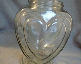Vase, heart (529)