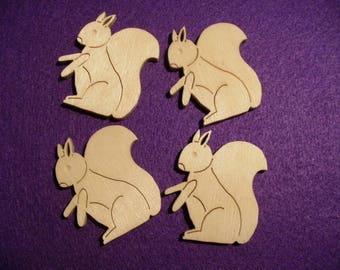 4 squirrels, wood, 5x4,5cm (10-0005A)
