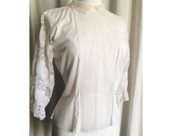 Vintage Blouse // Fashioned by Saka // white lacey