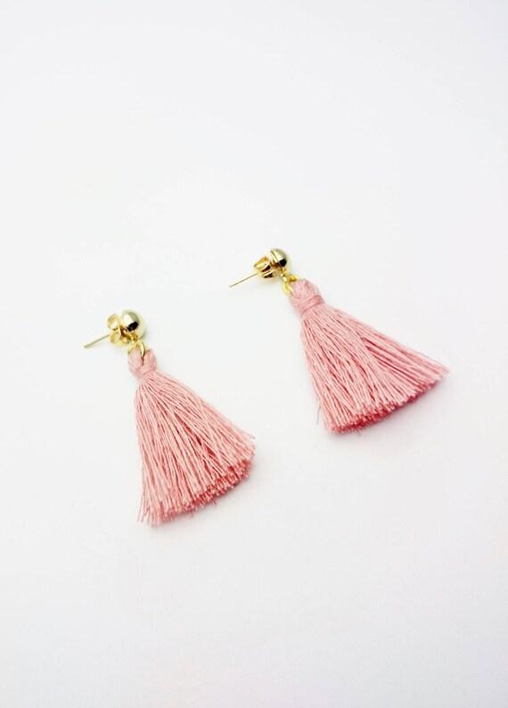 Antique pink color cotton tassel earrings//Hypoallergenic tassel earrings//Gold Tassel Dangle//Fringe Earrings// Simple Tassel Boho Earring
