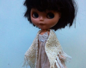Creme shawl / wrap for Blythe, Momoko, Ever After, Barbie, Azone, Monster High, Pullip  doll