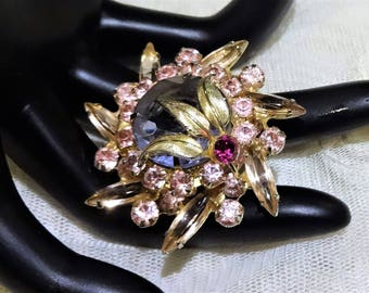 Gorgeous  Juliana  (DeLizza & Elster) Shades of Pink and Lavender Coloured Rhinestone Brooch