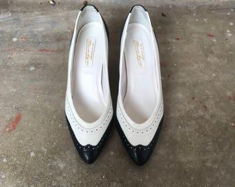 Vintage Wingtip Saddle Shoe Kitten Heel 50's Size 8.5