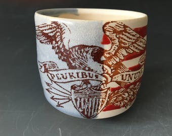E Pluribus Unum Cup (without a handle) with Red Stripes