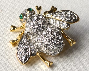 Bee crystal brooch