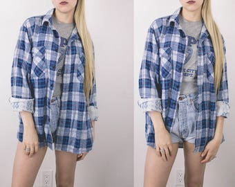 Vintage Navy White Plaid Flannel Shirt / Neutral Grunge Button Down Long Sleeve Hipster Retro Slouchy Oversized Medium Large -S17