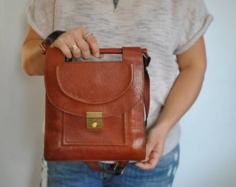 Vintage LEATHER BAG , shoulder bag ...............(578)
