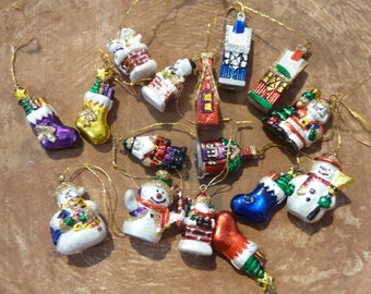 16 Miniature Christmas Ornaments Feather Tree Vintage Decor Craft Supply Lot (#664)