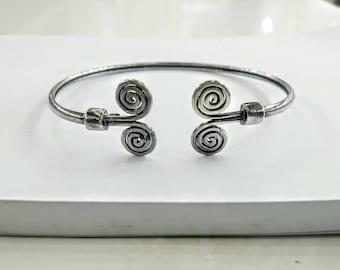 Greek spiral bracelet in silver