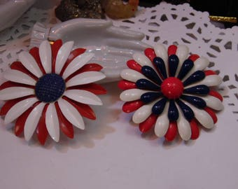 Enamel Coated Metal Retro 1960s Flower Power 2 Vintage Brooches/Pins