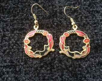 Black cat cloisonne shaped round earrings