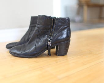 vintage anne klein  black leather oxfords ankle boots slip on womens 9