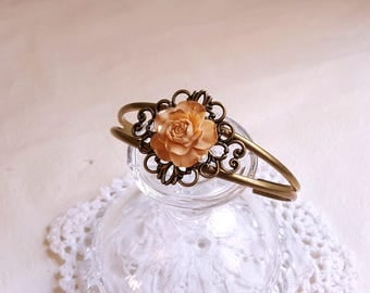 Flower bracelet cuff Vintage style Ivory yellow and golden color rose Shabby chic Flower Jewelry