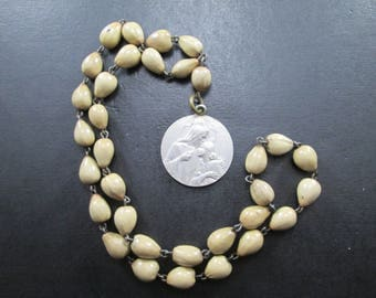 Vintage Beige Beaded Necklace and Religious Medal - Jesus in the Blessed Sacrament Have Mercy on Us
