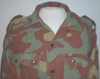 Italian Army paratrooper coat size Large-Extra Large; Fair condition; missing elbow pads