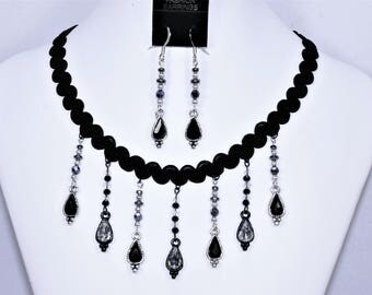 Vintage style black and silver necklace and earrings set