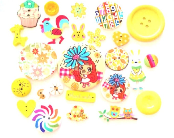 FREE SHIPPING Australia ONLY 25 Assorted Mixed Buttons in Various shades of Yellow