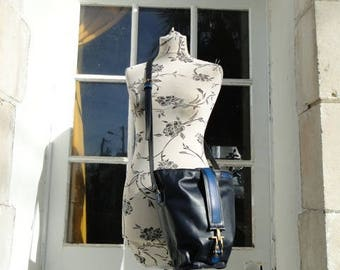 """Bag strap """"saxophone"""", 100% leather and is handmade blue marine"""