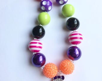 Halloween necklace, Halloween jewelry, gifts for girls, bubblegum necklace, chunky beaded necklace, Halloween, ghost necklace, ghost girl