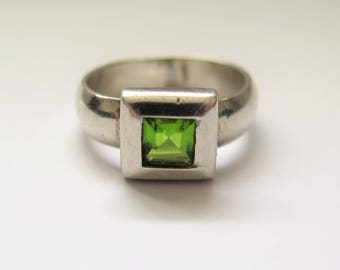 Vintage Modernisitc Square Ring With Neon Green Stone Size P / Size 7-8