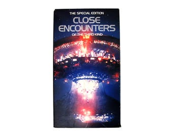 Vintage Close Encounters of the Third Kind VHS 90s Sci-Fi Science Fiction Aliens Steven Spielberg Richard Dreyfuss