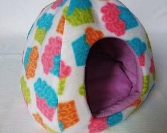 Large Fleece Dome House for Guinea Pigs / Rats / Hedgehog / Degus etc (Cupcakes / Lilac)