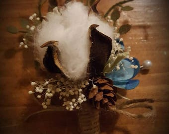 Cotton boutonniere, pine cone and cotton boutonniere