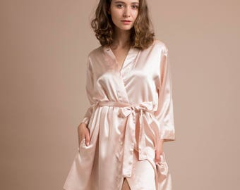 Bridesmaid Robes, Bridal Dressing Gown, Short Satin Robes, Personalized Bridal robe, Silk Kimono, Getting Ready Dressing Gowns