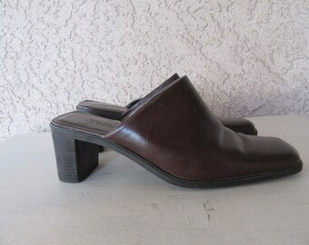 90s Leather Clog Boots, Square Heel Boots, Square Toe Shoes, Square Toe Boots, 1990s Minimalist Boots Size 8 M