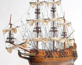 Large handmade wood replica of Royal Navy HMS FAIRFAX England 1650