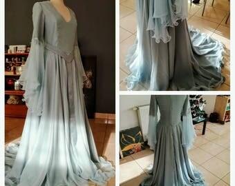 robe féerique en mousseline de soie bleu grise