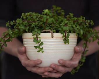 LARGE HANGING PLANTER // ceramic planter - planter  - modern hanging planter - jungalo - succulent planter - indoor garden - speckled cream