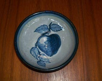Vintage Original Dorchester Pottery Fruit Pattern Chowder Bowl - Peach and Leaves Design