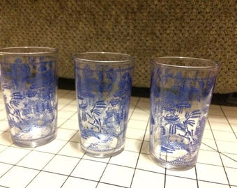 Federal Glass 'stitched border' Blue Willow juice glass