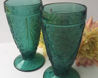 Two Vintage Anchor Hocking Sandwich Pattern Forest Green Flower Scroll Design Footed Tumblers