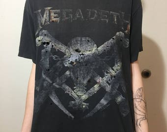 VTG 1991 Megadeth T-Shirt - Medium - Thrashed - Distressed - Heavy Metal - Thrash - Holes - Vintage Tee - Vintage Clothing -