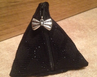 Gift-wrapped in cotton and black velvet purse