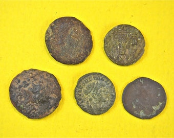 5 original small Roman bronze coins 1500 years old coin money Rome RC2