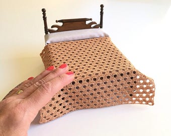 Miniature afghan/bed cover, 1/12 scale, honey