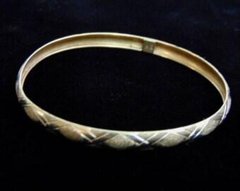 Womens Vintage Estate 10K Yellow Gold Bangle Bracelet, 4.4g E935