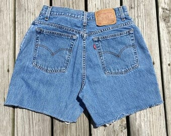 Vtg High Waisted Levi Shorts