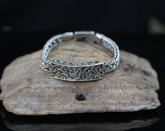 Sterling Silver Woven Byzantine Pattern Bracelet