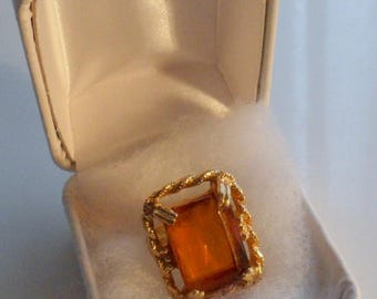 ON SALE Vintage SARAH Coventry Wild Honey Faux Topaz Rectangular Ladys Dress/Statement Ring / 1970s Preowned / Adjustable / Made in Canada