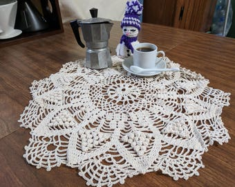 Doily Ecru Grapes to decorate your holiday table