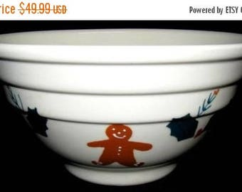 ON SALE Noble Excellence GINGERBREAD Ribbed Mixing Bowl Large Dinnerware Cookies Holly Red Berries Mint Condition