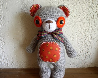 bear crocheted beige and orange acrylic
