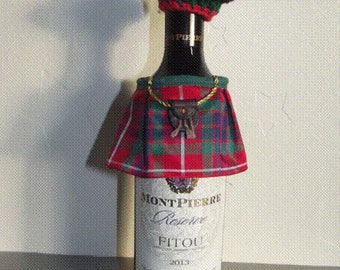 Scottish Kilt +Tam O'Shanter Bottle cosy Burns Night, St Andrews Day Six Nations