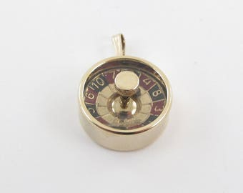 14k Yellow Gold 3D Vintage Spinning Roulette Wheel Gambling Charm