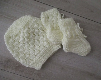 Baby Hat and Booties Hand Knit Cream Baby Boy Hat Baby Girl Hat Newborn to 3 Months