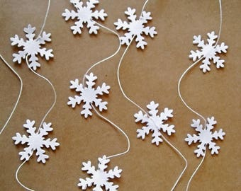 SALE White Paper Garland, Paper Snowflakes Garland, Winter Party Decoration, Christmas Tree Decor, Wedding Reception, Wedding Photo Prop Dec